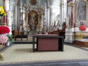 der schwebende Altar