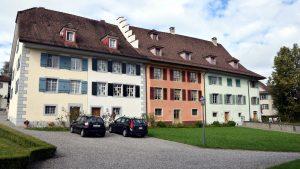Chorherrenhäuser
