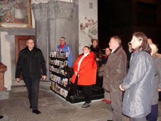 Pfarrer Eichhorn und eine aufmerksame Hörerschaft